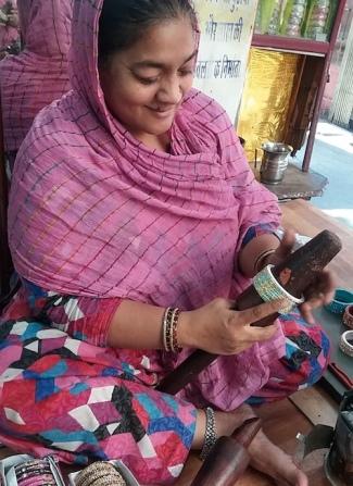 bangle maker-m.jpg