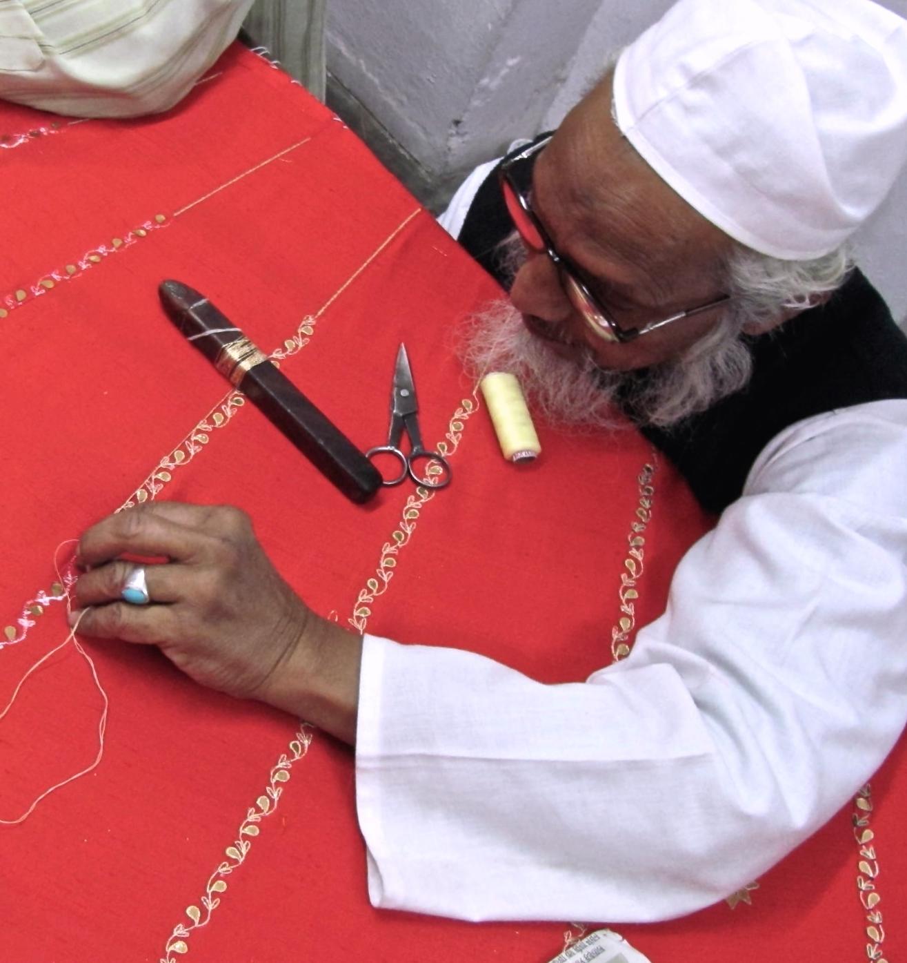 embroiderer-m.JPG