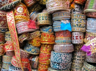 saree trim market-m.jpg